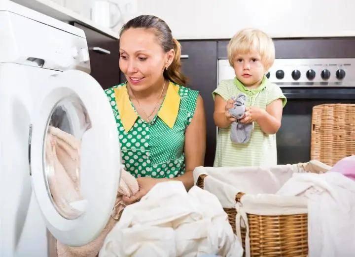 新买的衣服,到底怎么洗最安全?当然是用氧趣活氧洗衣颗粒啦!