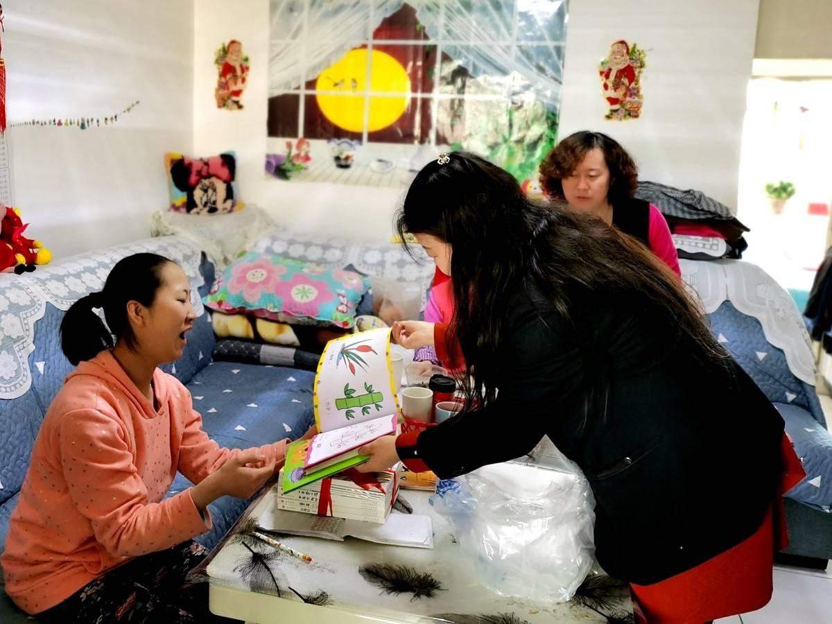 青海省西宁市城西区胜利路街道办事处开展残疾人关爱活动