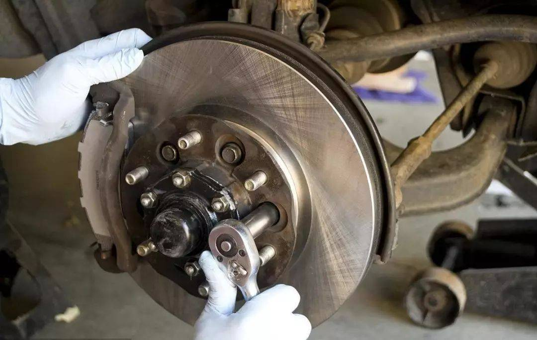 刹车盘多少钱(刹车盘怎么确定要换呢)插图