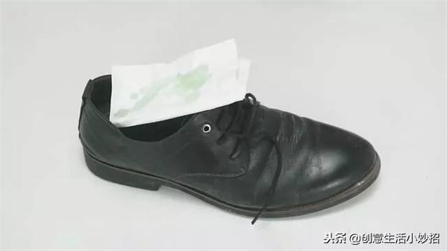 鞋子除臭剂有用吗(教你三个方法快速去脚臭)插图(1)