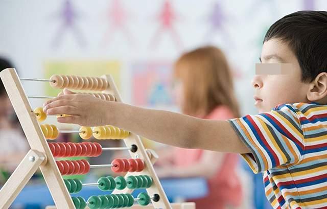 从几岁可以开始数学启蒙?其实,宝宝十个月时,就已经在接触了