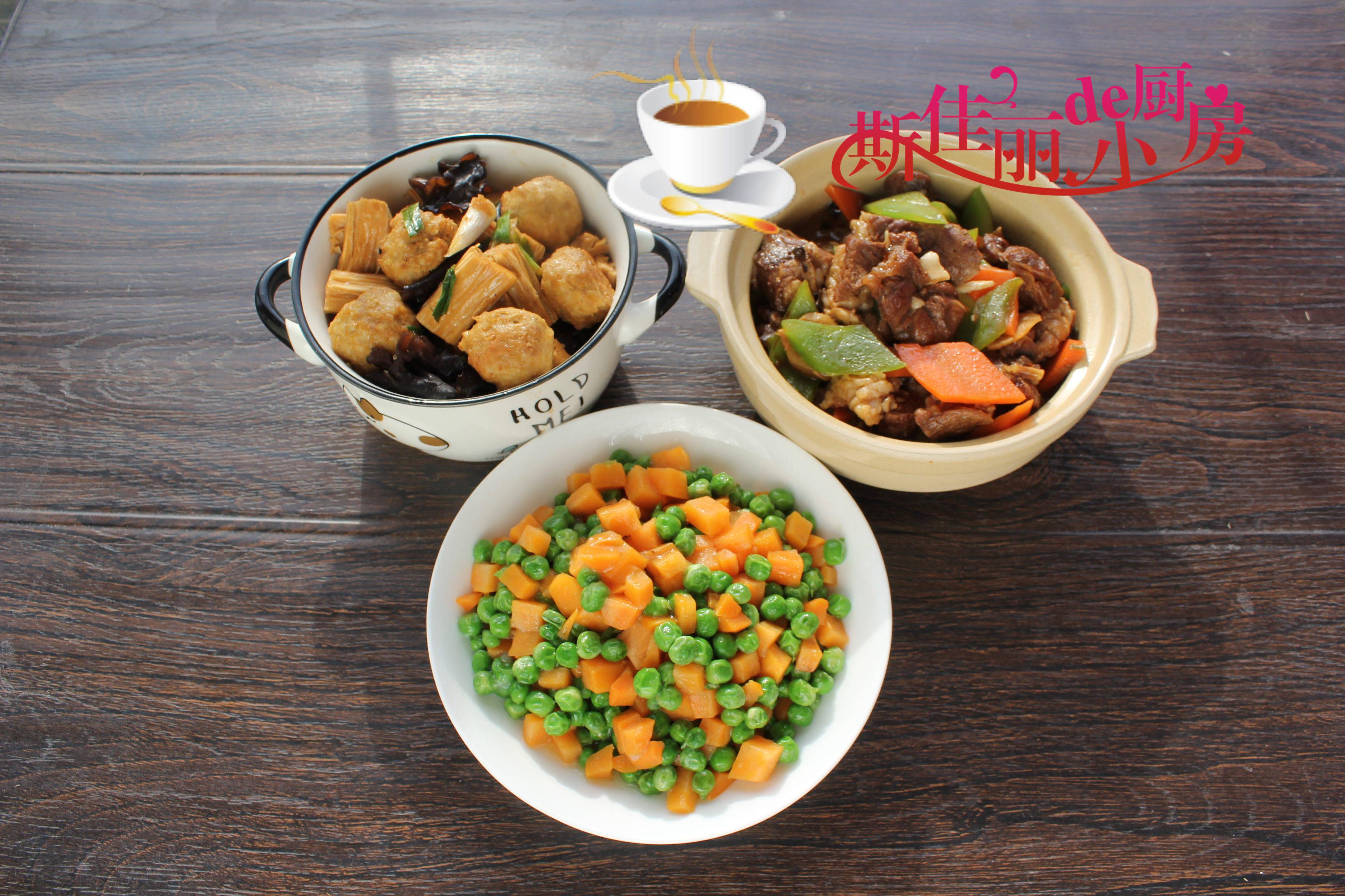 母子俩午餐走红朋友圈,简单营养又美味,网友:妈妈菜就是香