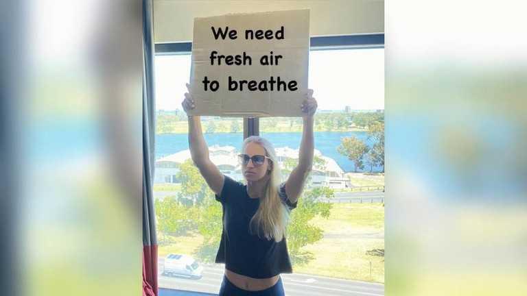 哈萨克女将猛喷澳网防疫政策:我们要呼吸新鲜空气