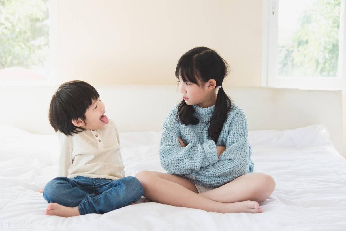父母偏心养女的现代文 女主被抱错父母偏心养女