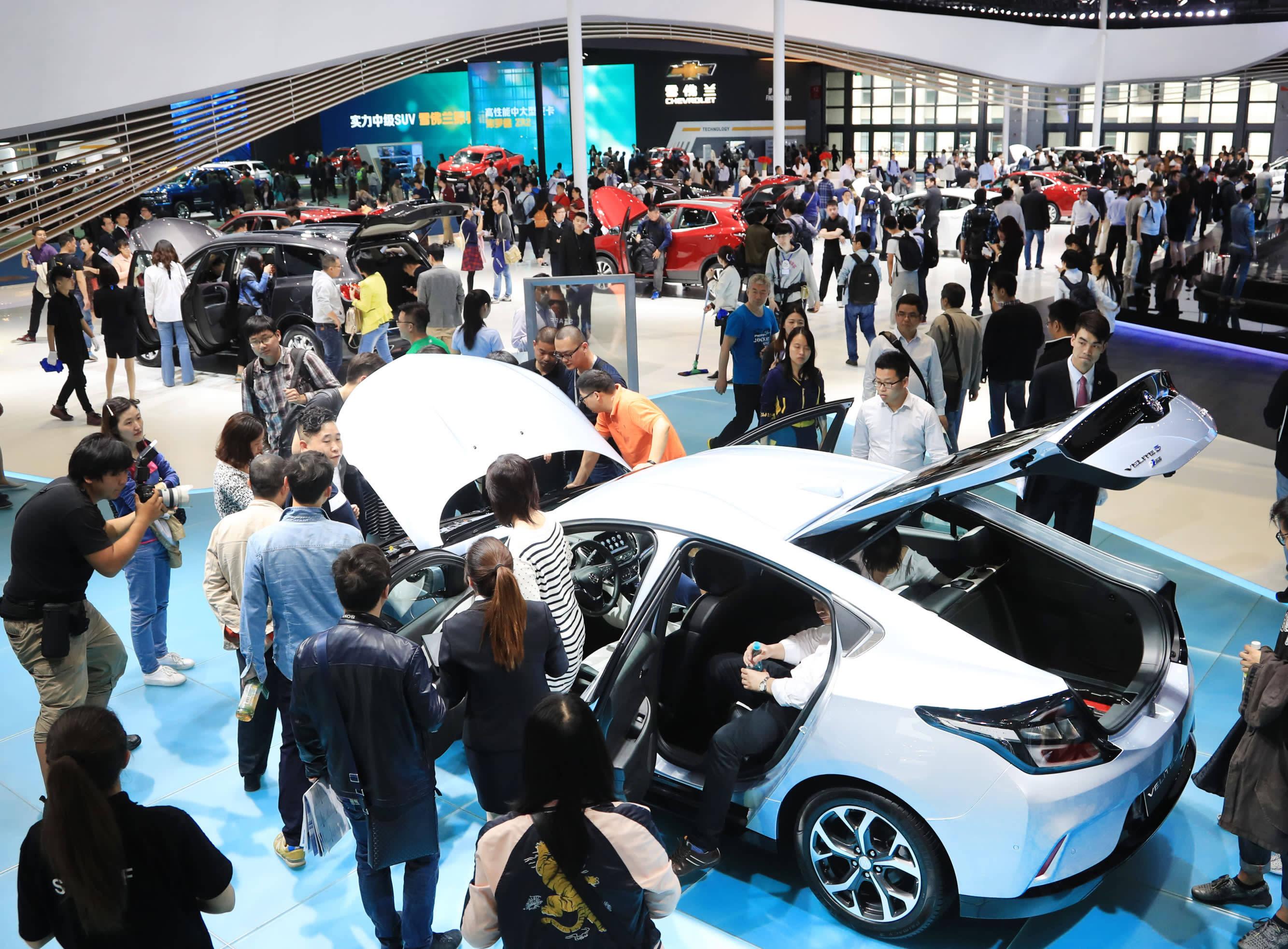 原本的欧美汽车市场表现惨淡,2020年跌幅超过两位数。中国汽车市场脱颖而出