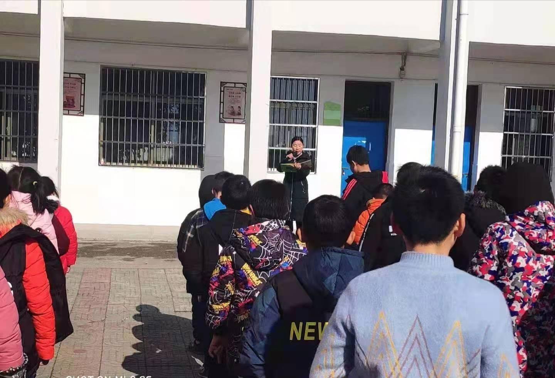 湖北黄梅大河一中小学部倡导让书香浸润寒假活动