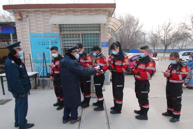 高唐特战救援队:用实际行动助学关爱贫困小学生