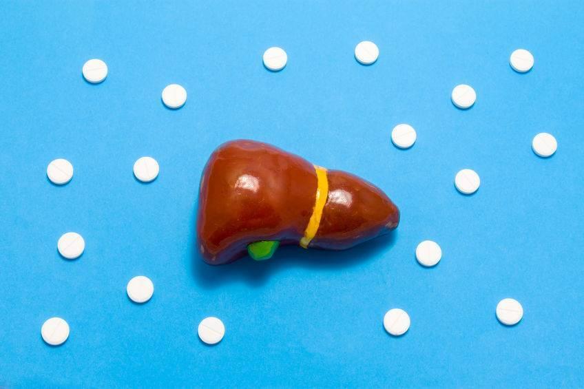 """医生直言:肝癌""""祸首""""不只是烟酒,这2件事同样也伤透肝脏"""