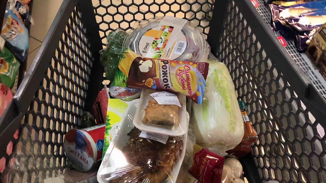 营养师:去超市看见这四类食物,多吃没有好处,为健康考虑别常吃