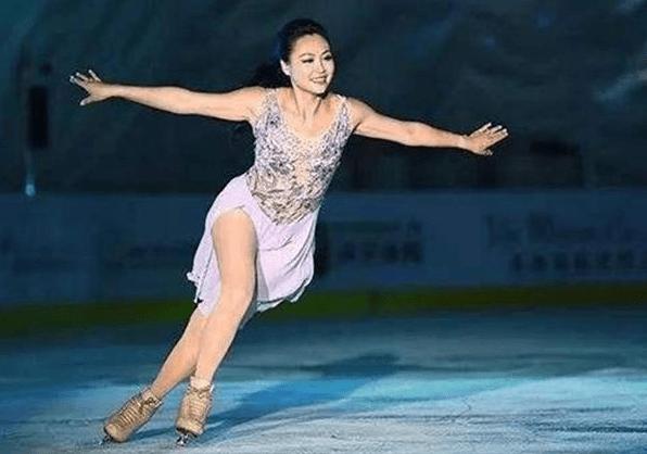 世界冠军陈露,嫁大12岁老外,结婚14年幸福,混血女儿为祖国争光