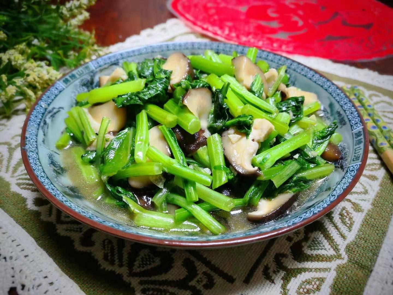 香菇和这菜是绝配,比炒青菜还好吃,冬天吃正当时,尤其孩子多吃
