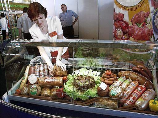 90年代初的俄罗斯有多惨?没吃没穿,肉罐头和狗