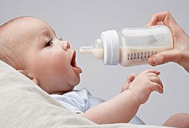 牛牛视频:张文宏建议多喝牛奶,乳糖不耐受怎么喝牛奶?4种办法喝完不难受