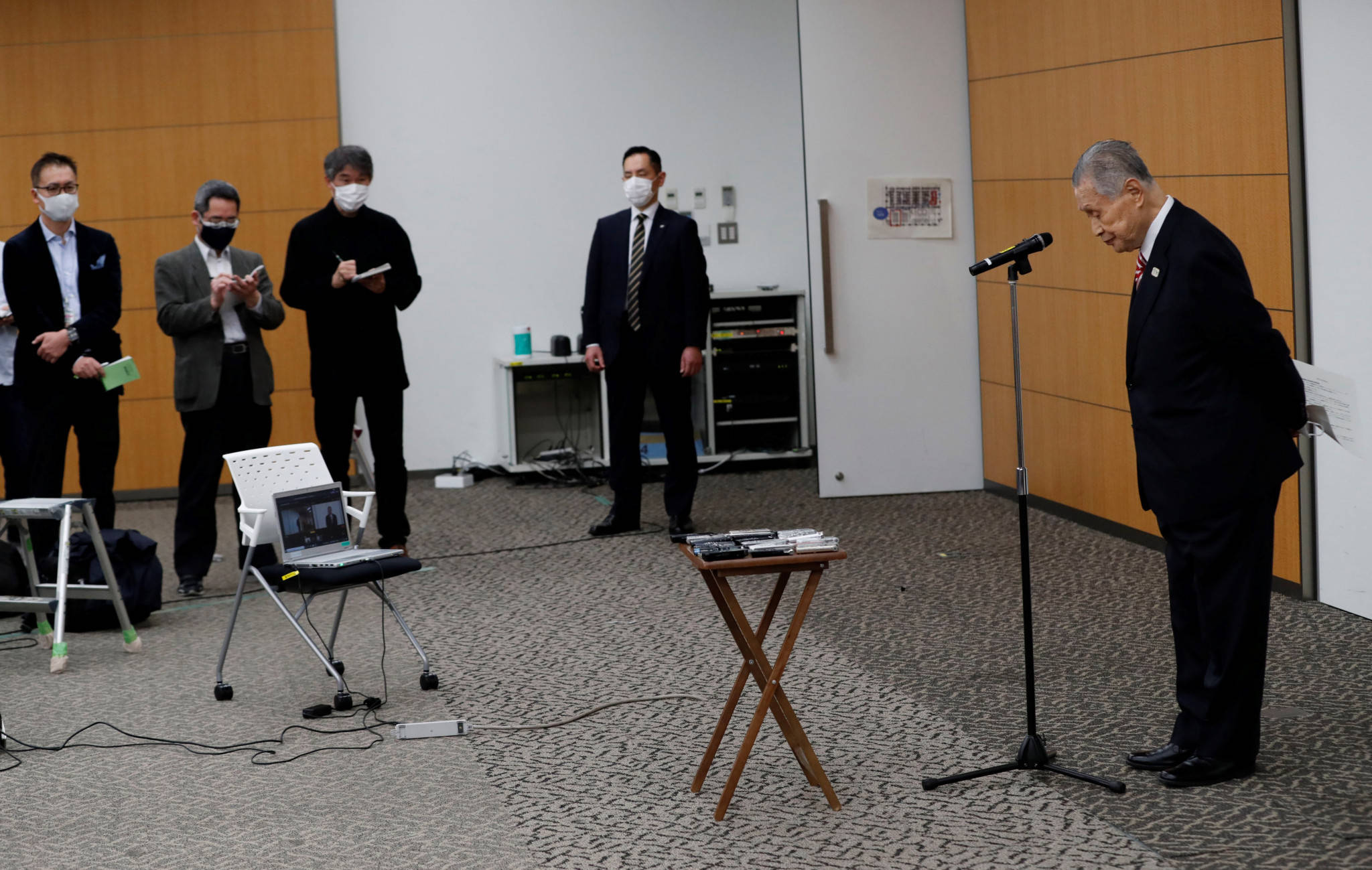 各方声讨森喜朗性别歧视言论 网民要求尽快下台_日本政府