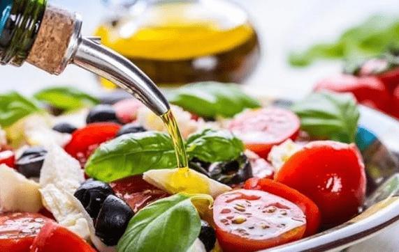 抢庄牛牛棋牌游戏:橄榄油可以用来炒菜吗?
