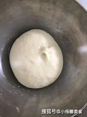 家常烙饼最简单的一种做法,我们家经常做,一顿3张都不够吃!