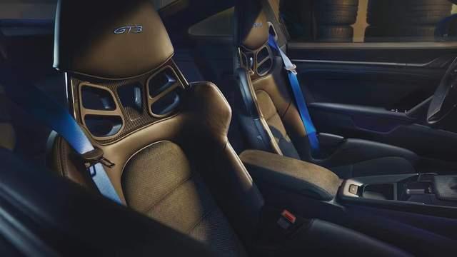 公路上的合法赛车 2022款保时捷911 GT3登场