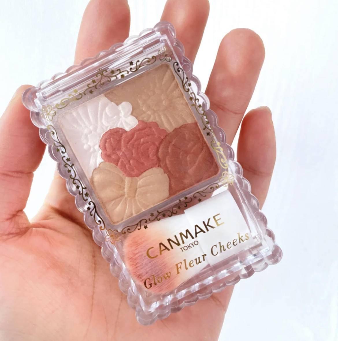 原创             又是一个装嫩伎俩,过年气氛组:草莓奶霜妆,又仙又甜