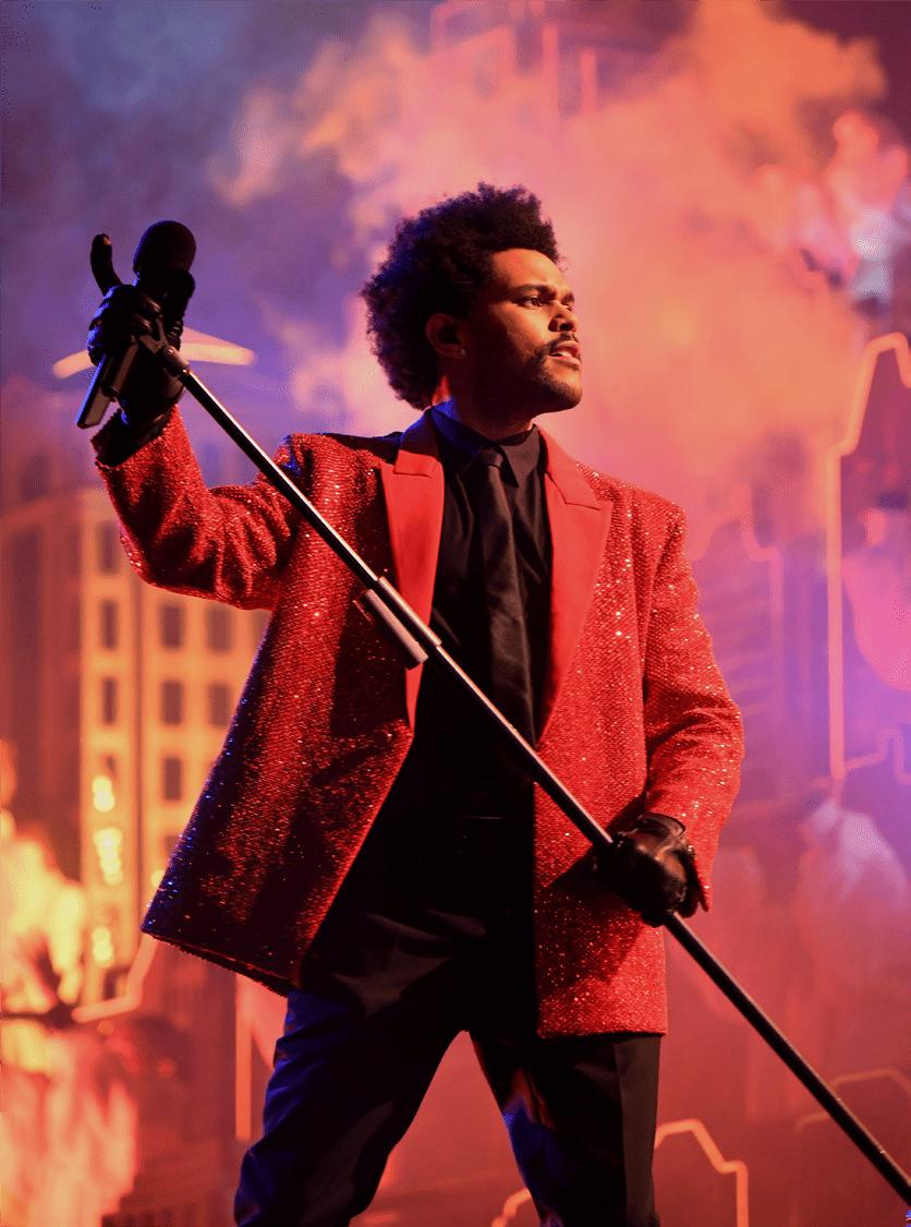 The Weeknd身着Givenchy 亮相第55届美国超级碗中场秀