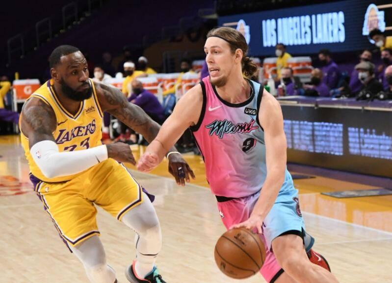 原创             詹姆斯3分8中1!砍19+9+9刷新NBA纪录,湖人失绝平不敌热火吞连败