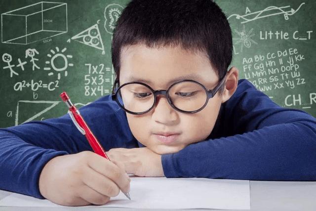 五岁娃上网刷家长三万元,小孩会玩手机并非聪明,父母别再坑娃了  第6张