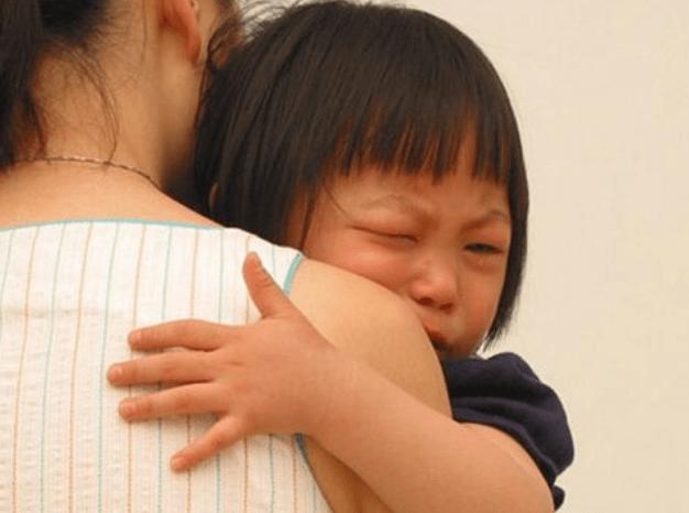 """孩子的""""省心""""表现,可能是内心""""缺爱"""",多数人误以为娃情商高"""