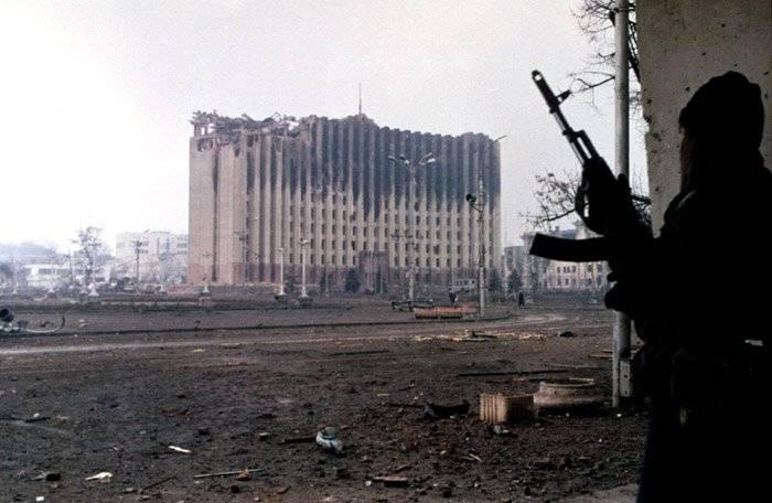 俄军挥之不去的阴影:打不过车臣游击队,伤亡2万泪洒格罗兹尼!