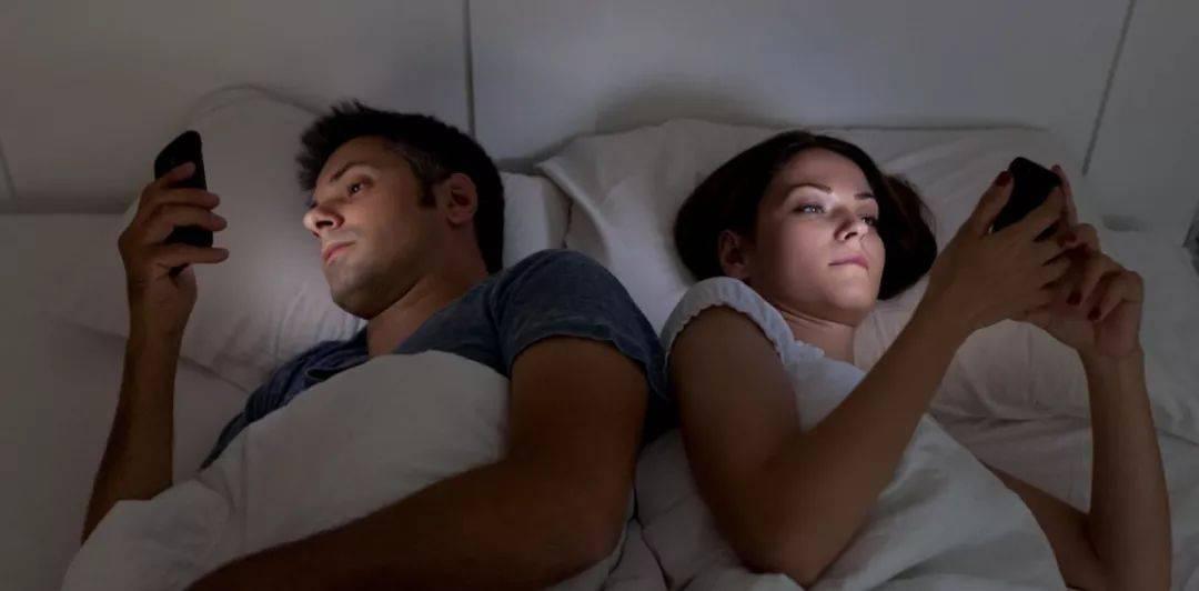 孕期手游通到1300关,被丈夫无情卸载,网友:这丈夫不如不要