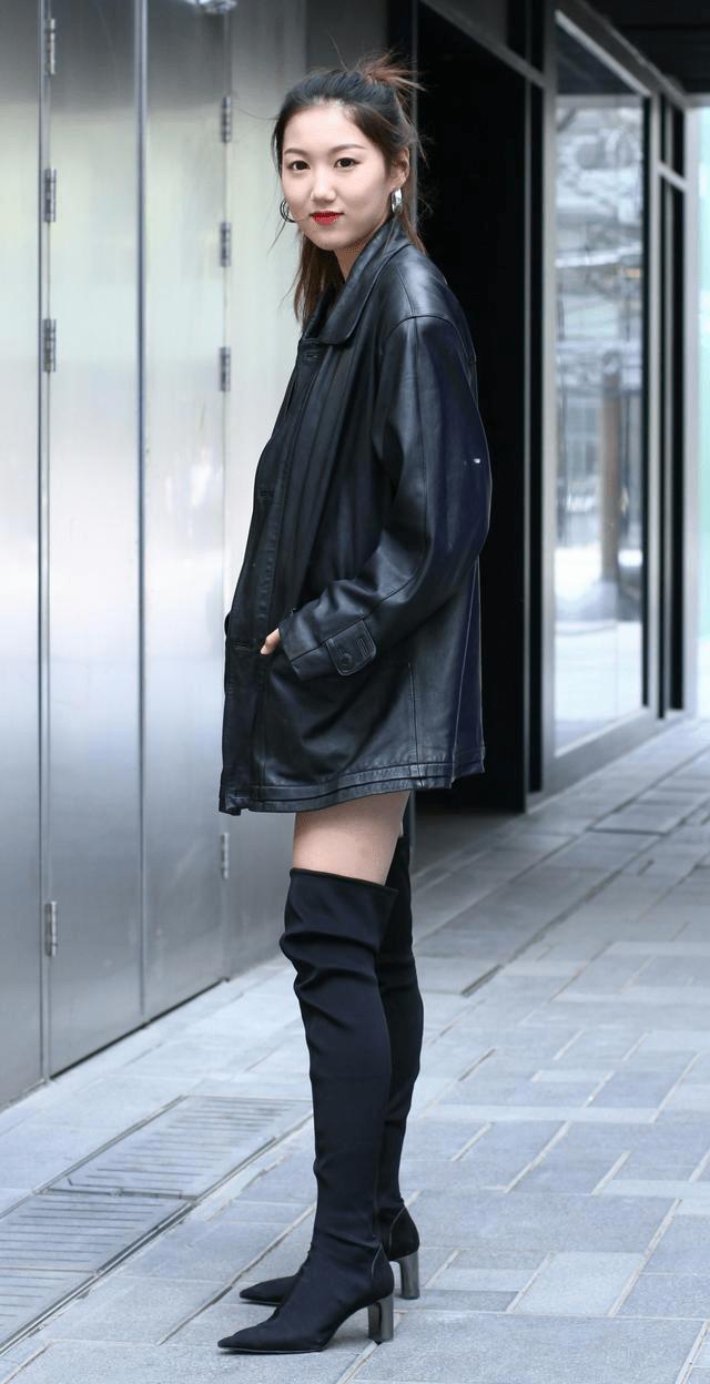 原创             皮衣不仅仅只有酷炫,还能娇美艳丽,这些套路让你美出新高度
