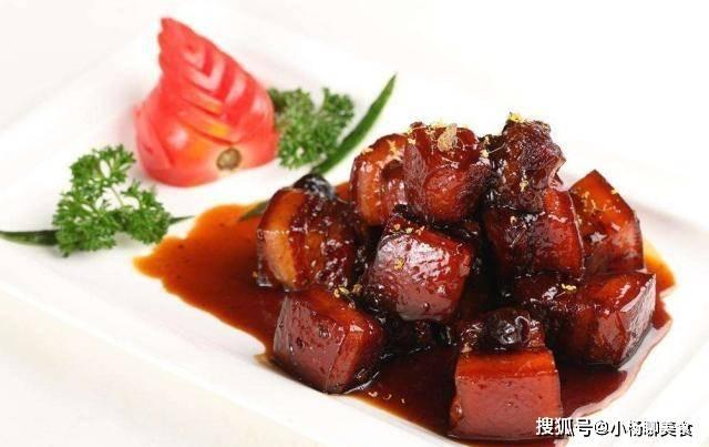 做红烧肉有窍门,多加一步,再加点它,红烧肉颜色发亮,软糯可口