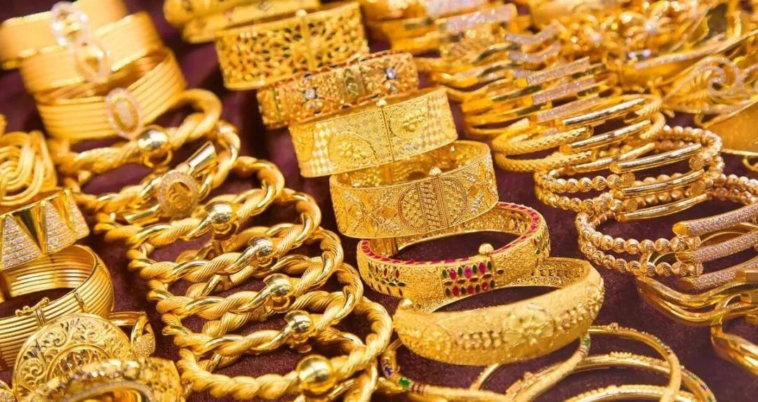 【春节黄金珠宝店卖疯了,连租赁行业也火了】