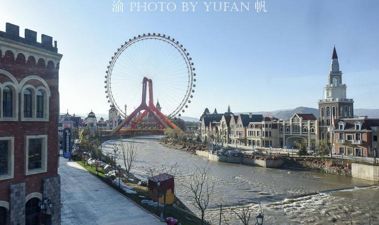 青海有座浓缩18国经典建筑的丝路小镇,不出国门,也能环游世界