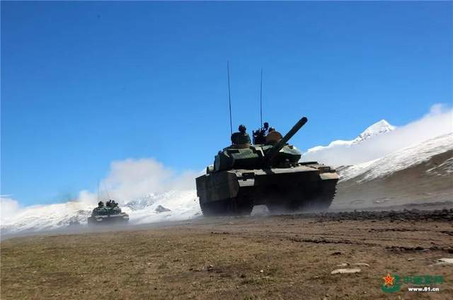 我,15式轻型坦克