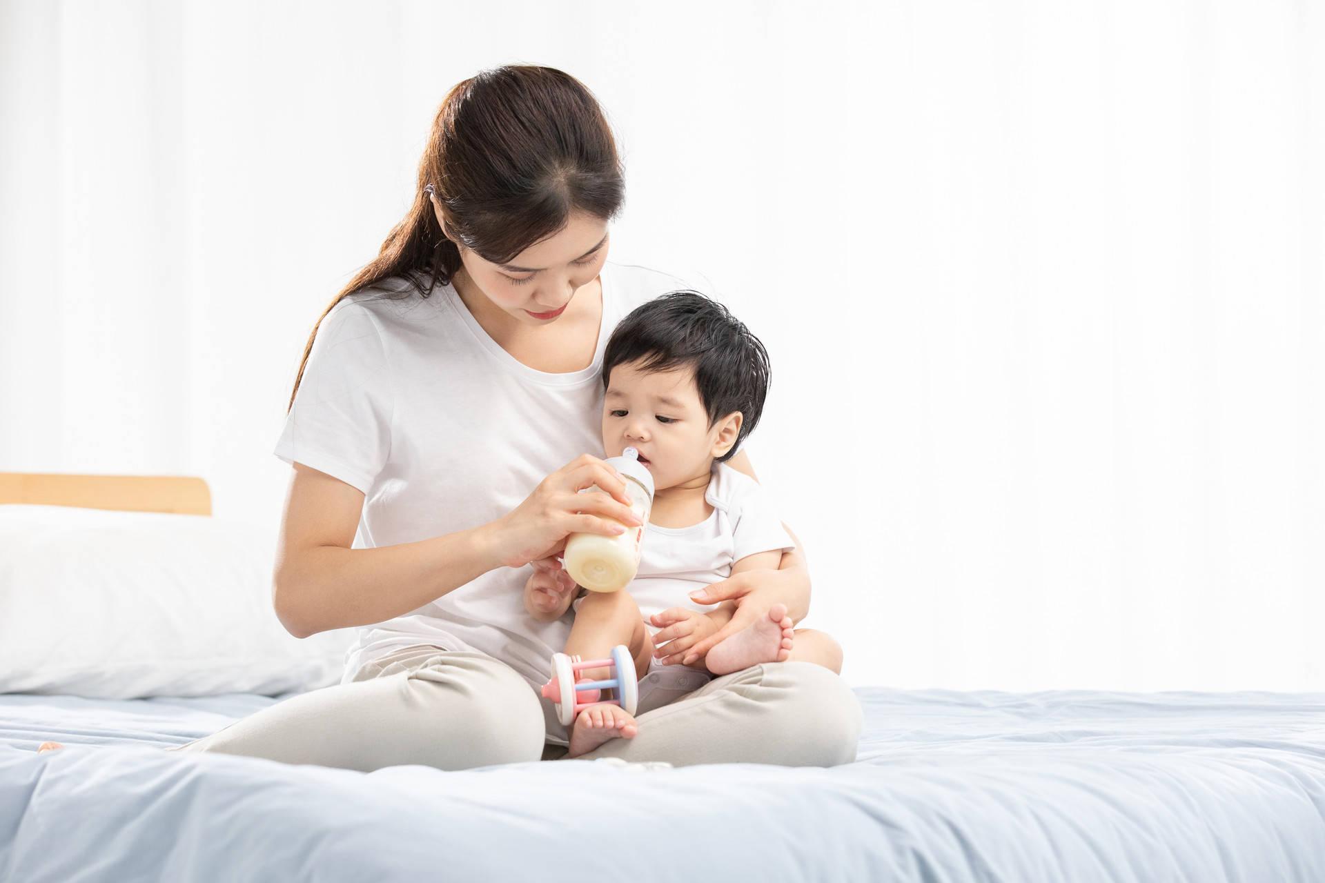 奶粉喂养的宝宝,妈妈容易犯七个错误,浪费钱还让娃难长高