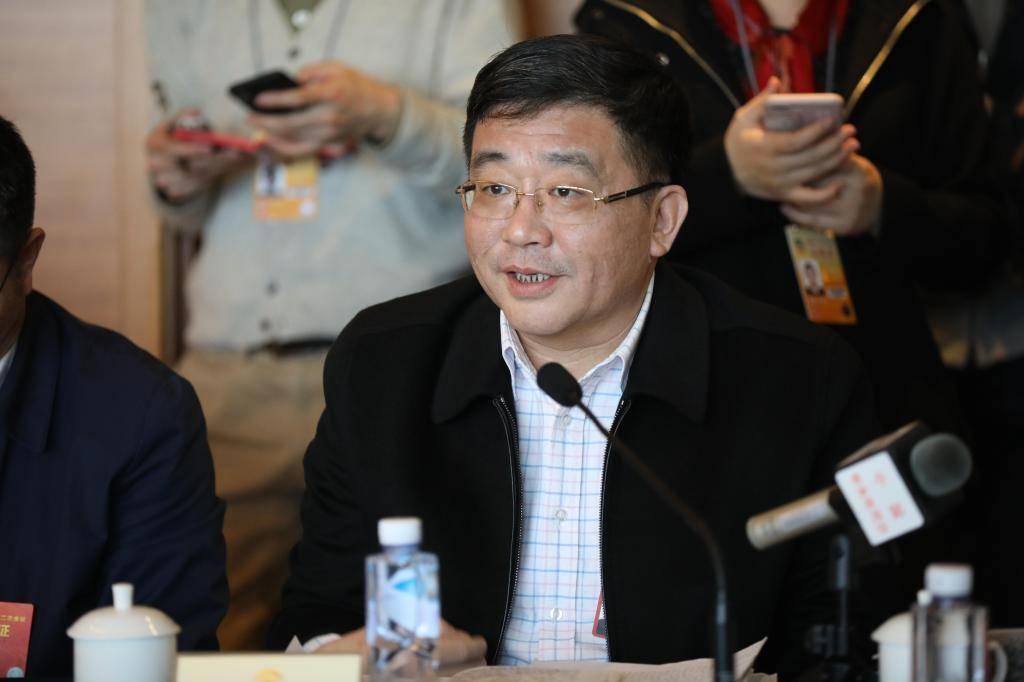 """""""2021两会""""上海银监局:建议将科技金融业务纳入金融机构绩效考核"""