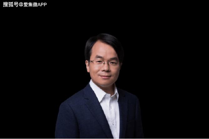 吴德周已离开坚果手机团队,加入 Sharklet任全球 CEO