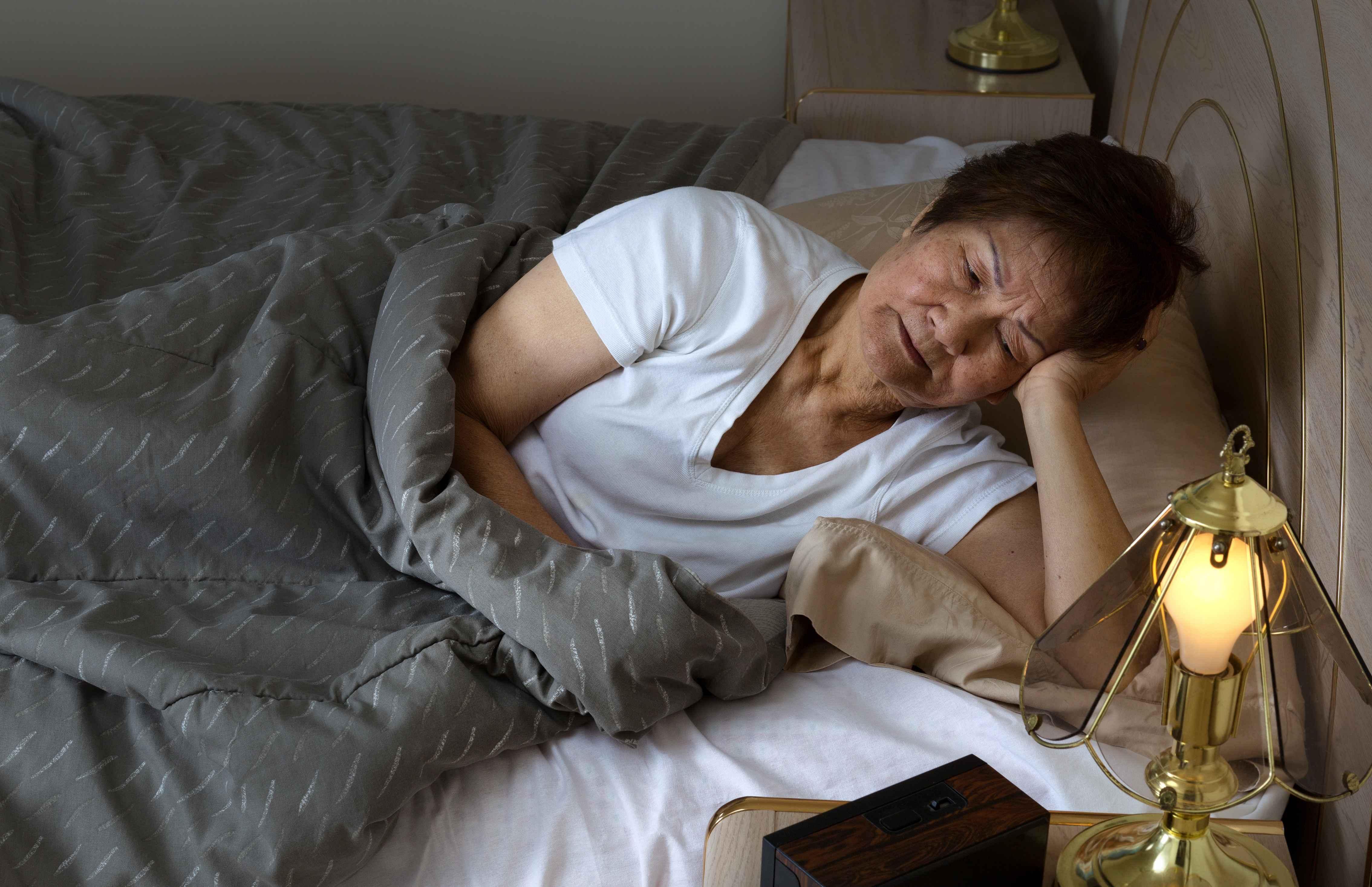 """体内有栓,睡觉时往往会有4种迹象,占的越多,说明血管越""""硬"""""""