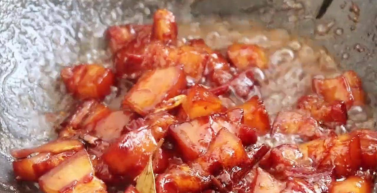 """这才是""""红烧肉""""正宗做法,大厨详细讲解,软糯香甜肥而不腻  红烧肉烧的软烂的窍门"""