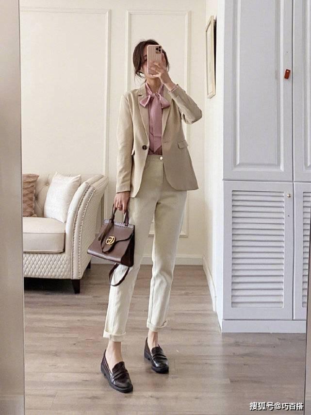 真正的省錢穿搭在我這,一件米白西裝穿出八種風格,表現力是真牛