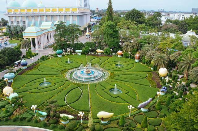 """泰国这个有塑料感的""""豪宅"""",竟是流星花园的取景地"""