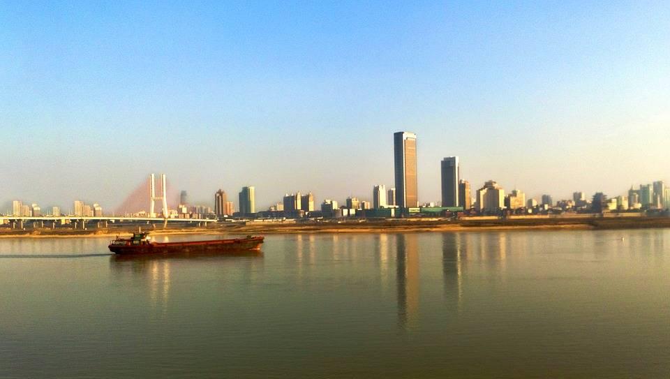 广西南宁与江西南昌,2020年GDP排名情况如何?
