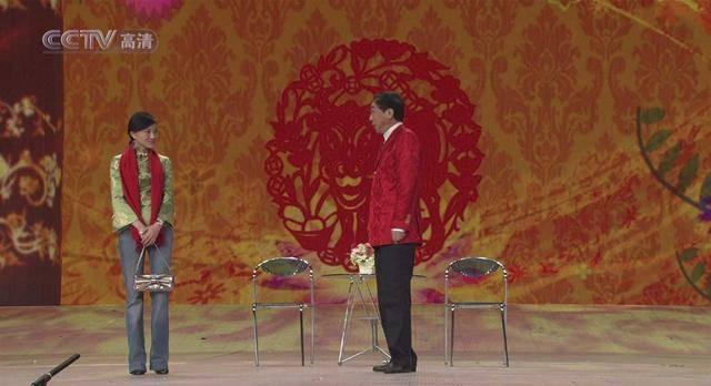 搭档冯巩在春晚走红,戏红人不红的金玉婷,如今到哪儿去了?  第1张