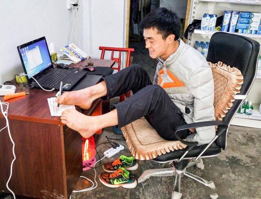 先天残疾无手 9月丧父5岁被拐卖 陈兹方为何能成为全国劳模-家庭网
