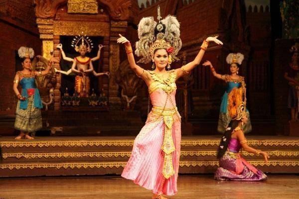 泰国人妖评价外国游客:日本人正经,韩国爱占便宜,中国一个字