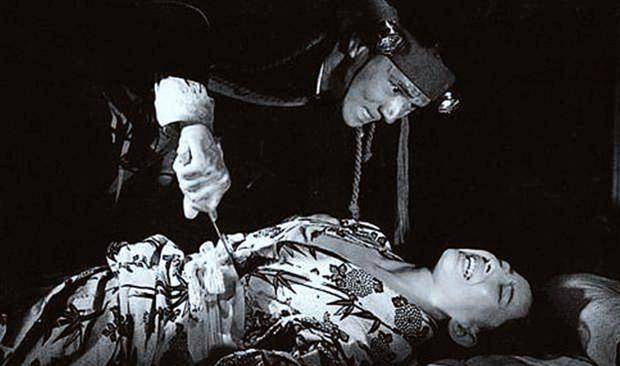 日本昭和真实惨案!只因未能参军被歧视,青年男子一夜屠村复仇