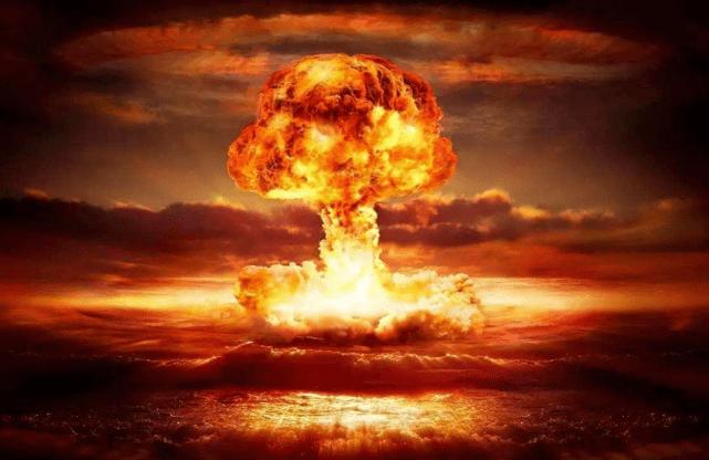 原子弹爆炸时,日本19岁女孩离爆心仅260米,她是怎么活下来的?
