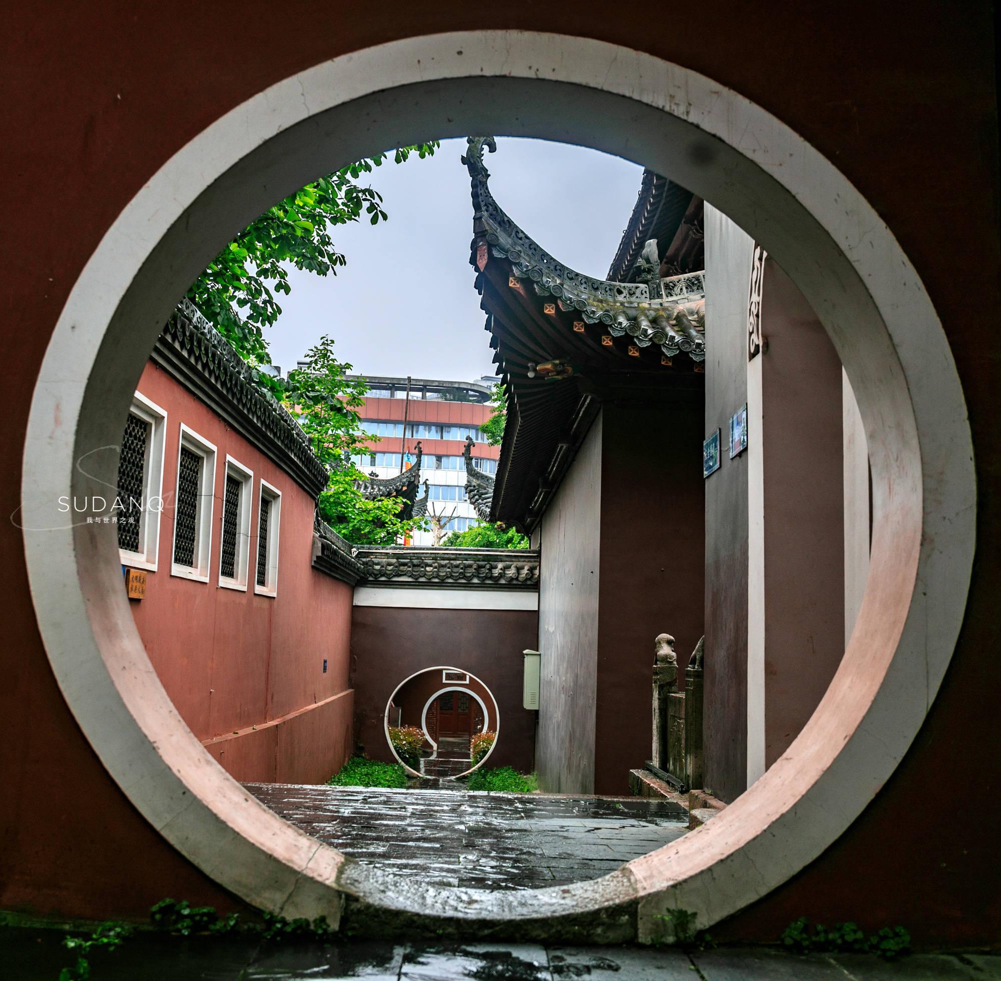 """武汉这座道观建筑群在国内堪称""""唯一"""",藏有三绝,雨天极为幽静"""