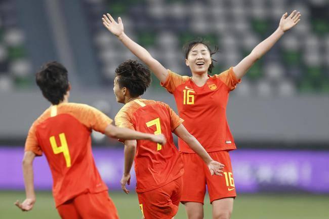 """今天3个镜头看出:日本裁判对中国女足到底有多""""公平"""""""