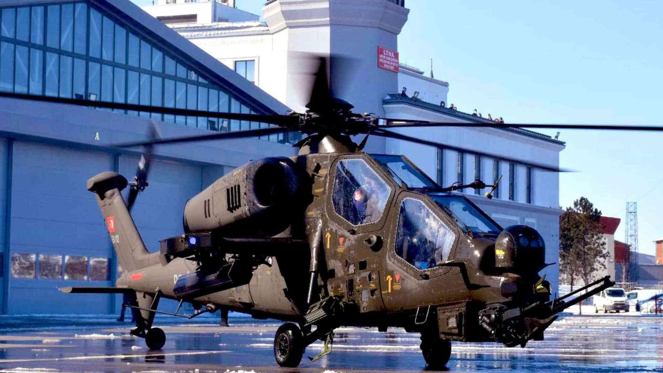 警察局也有武装直升机?土耳其创先河,警花飞行员试戴头盔显示器