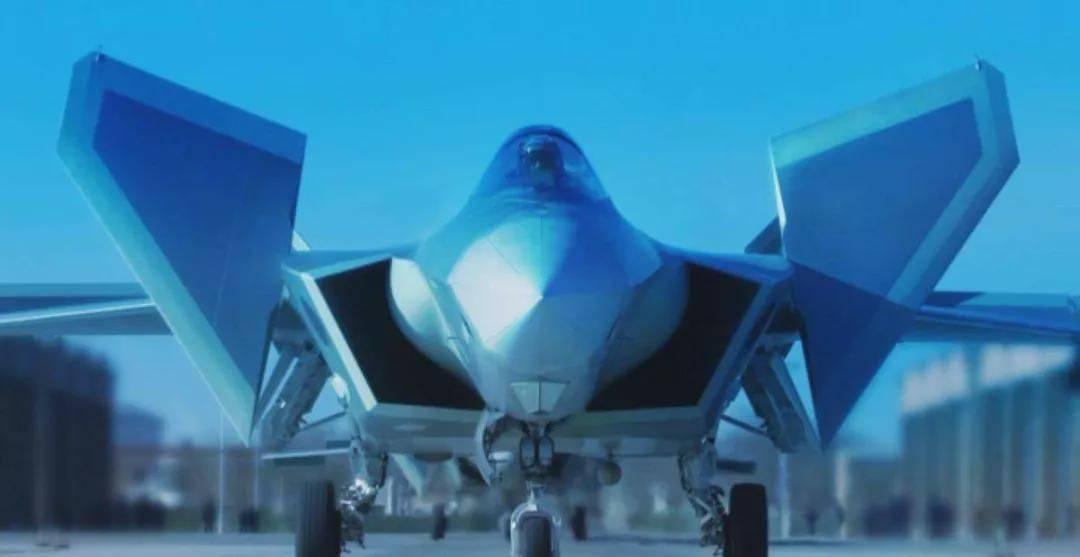 歼-20大杀四方,以一敌十的战绩碾压四代机,因为